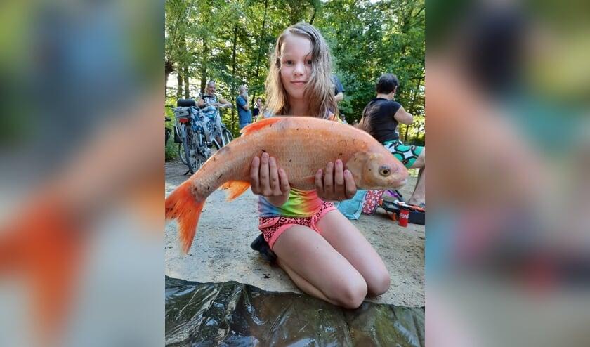 <p>De grootste vis van de dag woog 1960 gram en werd gevangen door Catoo. Foto Sjonnie Huls</p>