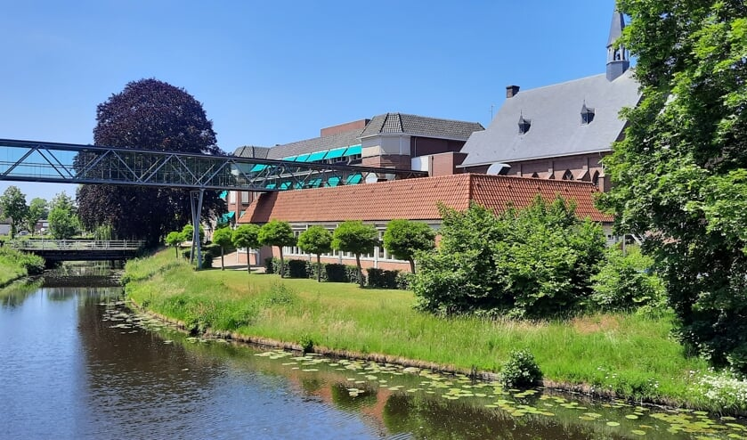 """<p class=""""InfoKop2"""" pstyle=""""InfoKop 2"""">De vestingwal bij De Molenberg wordt straks in ere hersteld, net zoals dat eerder ook al bij de Scouting is gebeurd. Foto: Kyra Broshuis</p>"""