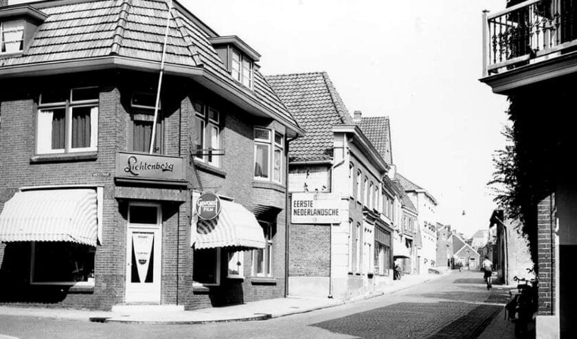 <p>Winkelpanden aan de Landstraat in Aalten. Foto: collectie Leo van der Linde</p>