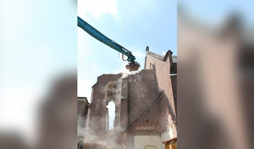 <p>Het kerkgebouw ligt deels in gruzelementen. Foto: Nicole Jansen-Lubbers</p>