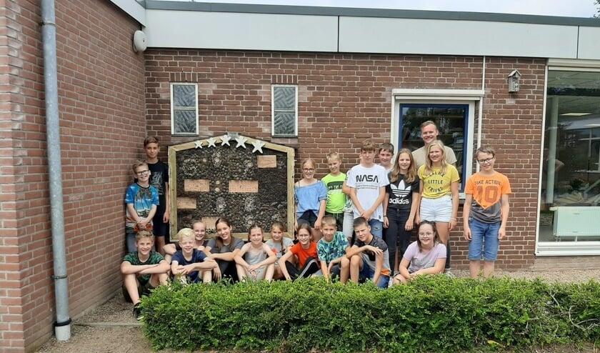<p>Afscheid groep 8 van de Sterrenboog: het insectenhotel. Foto: PR</p>