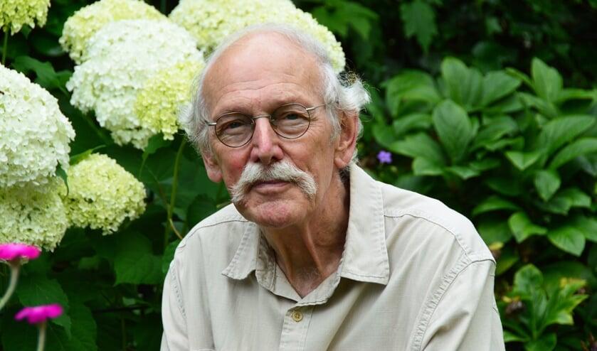 <p>H.C. ten Berge: &quot;Fysiek reis ik niet veel meer, al zou ik dat wel willen, maar ik word ouder. In het hoofd kan alles nog.&quot; Foto: Alize Hillebrink</p>
