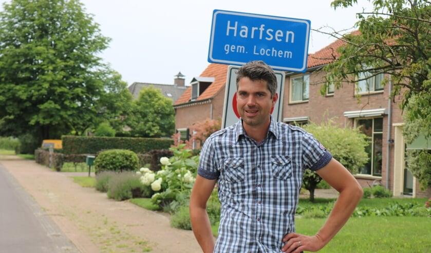 <p>Tonny Verwoerd hoopt volgend jaar weer een rommelmarkt in Harfsen te kunnen organiseren. Foto: &nbsp;Arjen Dieperink</p>