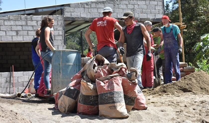 <p>Een groep van World Servants in actie. Foto: PR</p>