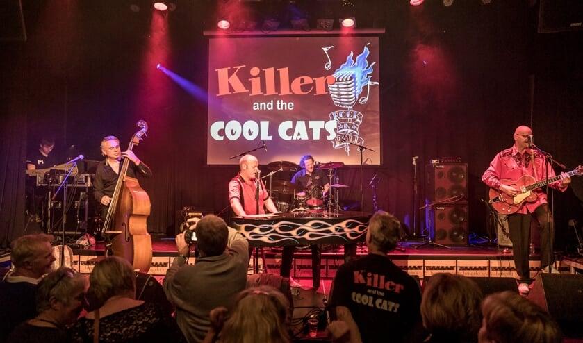 <p>Killer and the coolcats speelt op 'Op 't Arf in de Hiet'. Foto: Maaike Ronhaar/MaronStills</p>