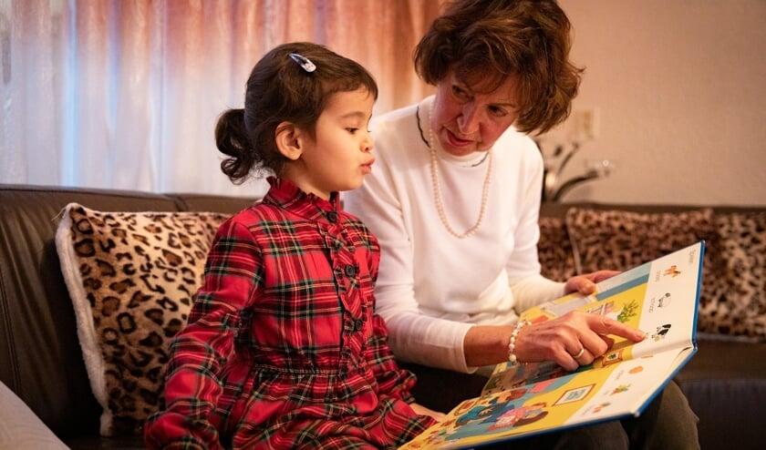<p>De Kindertaalcoach ondersteunt, op ludieke wijze, jonge niet-Nederlandstalige kinderen met de Nederlandse taal.</p>