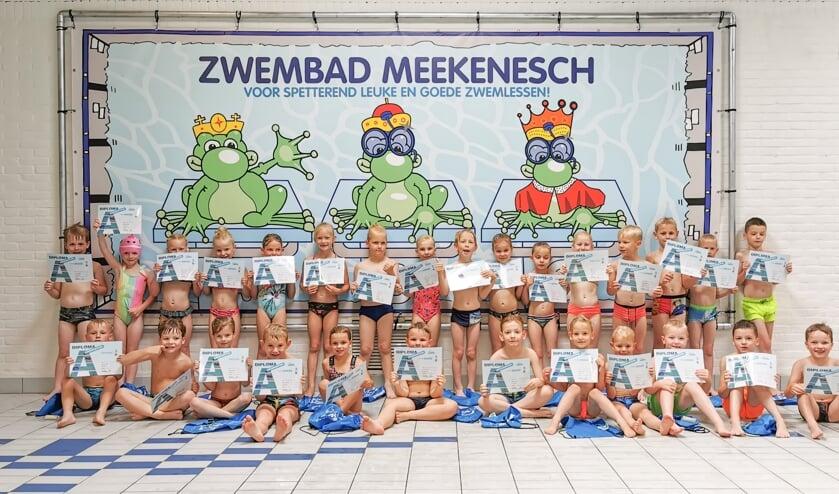 <p>Gefeliciteerd met je zwemdiploma! Foto: Zwembad Meekenesch</p>