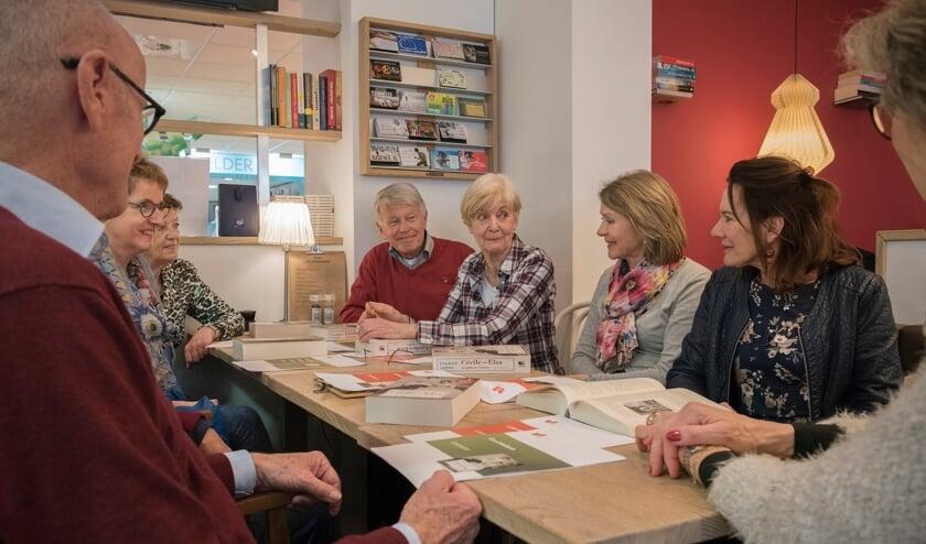 <p>Leeservaringen delen in een leesclub literatuur. Foto: Arjanneke v.d. Berg</p>