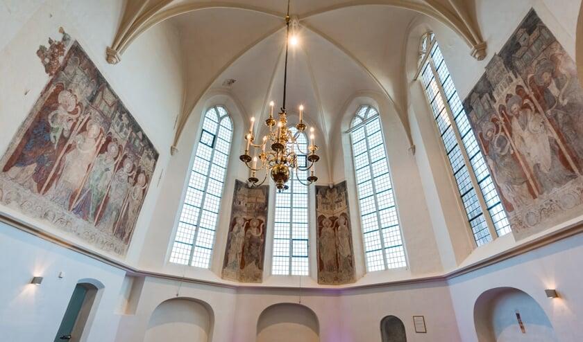 <p>Fresco&#39;s in de Hengelose Remigiuskerk. Foto: Marcel Colenbrander</p>