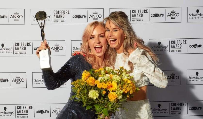 <p>Charell Bosch (links) is blij met de Young Talent Award. Foto&#39;s: PR</p>