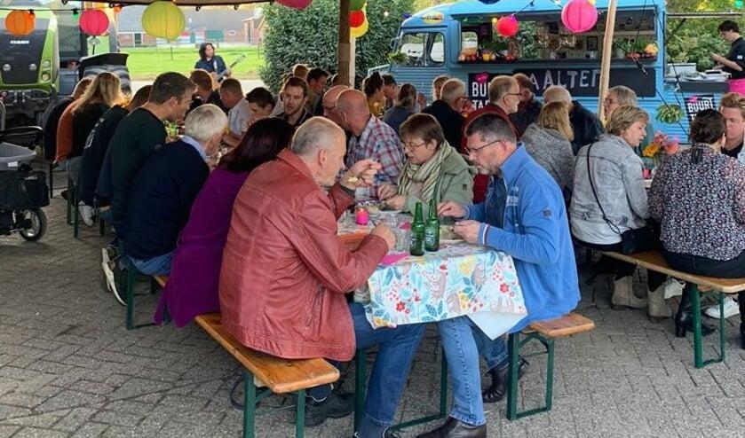 <p>Buurttafel aan de Seinsdijk. Foto: PR</p>