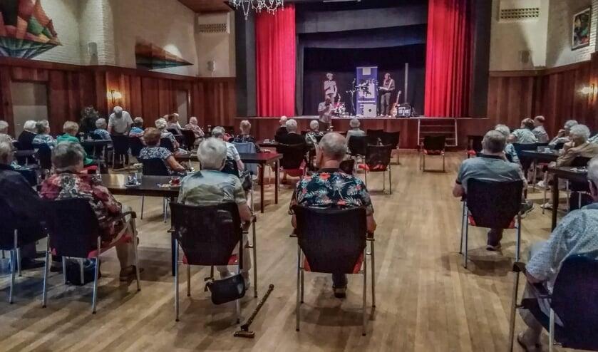 <p>Vijfjarig jubileum Senioren Vereniging Vorden gevierd met optreden van het Duo Een &amp; Ander. Foto: PR</p>