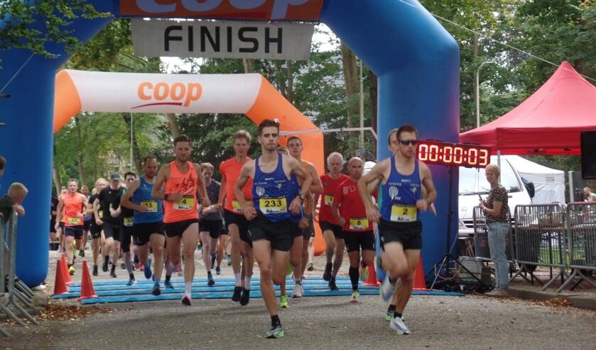 <p>Aan de 34ste editie van de Achtkastelenloop namen door corona minder deelnemers deel. Foto: Jan Hendriksen..&nbsp;</p>