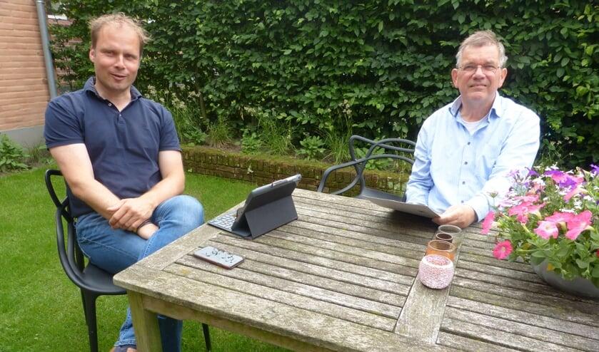 <p>Twee trotse wethouders. Foto: Bernhard Harfsterkamp</p>