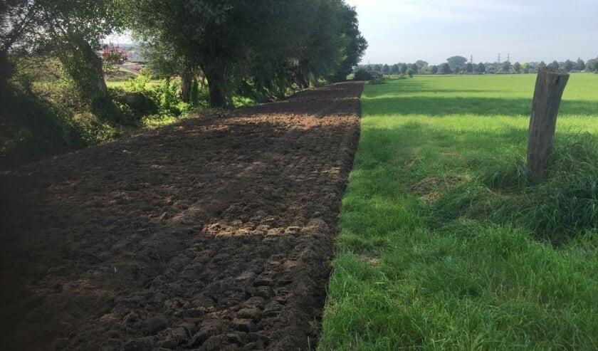 <p>De werkzaamheden voor de aanleg van het wandelpad nabij het Kerkpad zijn gestart. Foto: PR</p>