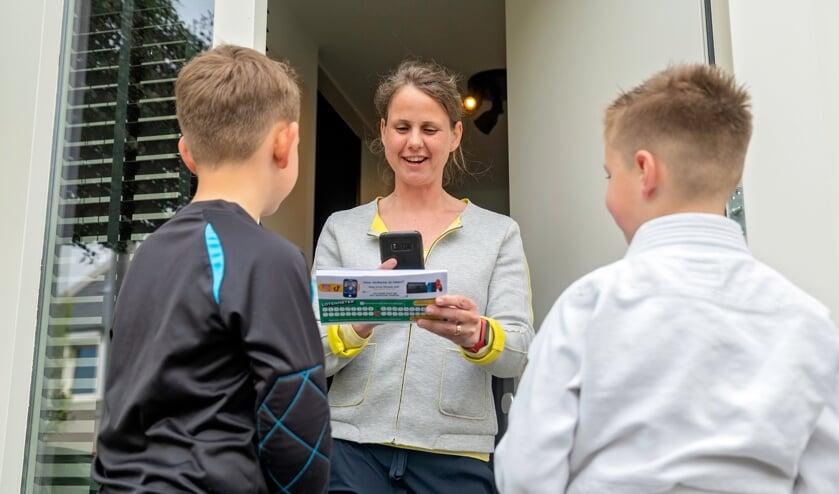 <p>Verenigingen uit Bronckhorst beginnen met loten verkopen (dit kan via de QR-code te scannen) via de Grote Clubactie. Foto: Merel van Dooren</p>