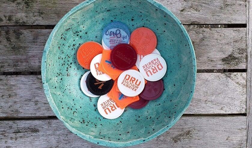<p>De muntenpot met allerlei munten. Foto: Marcel van Berkum</p>