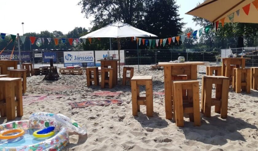 <p>Het beachvolleybalveld leende zich mooi voor het jubileumfeest van Sparta Zelhem. Foto: PR</p>