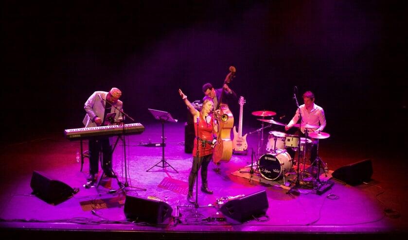 <p>Saskia Laroo Quartet gaat &#39;electric&#39; in Eibergen bij de aftrap van het Jazz Eibergen-seizoen. Foto: PR/Jazz Eibergen&nbsp;</p>