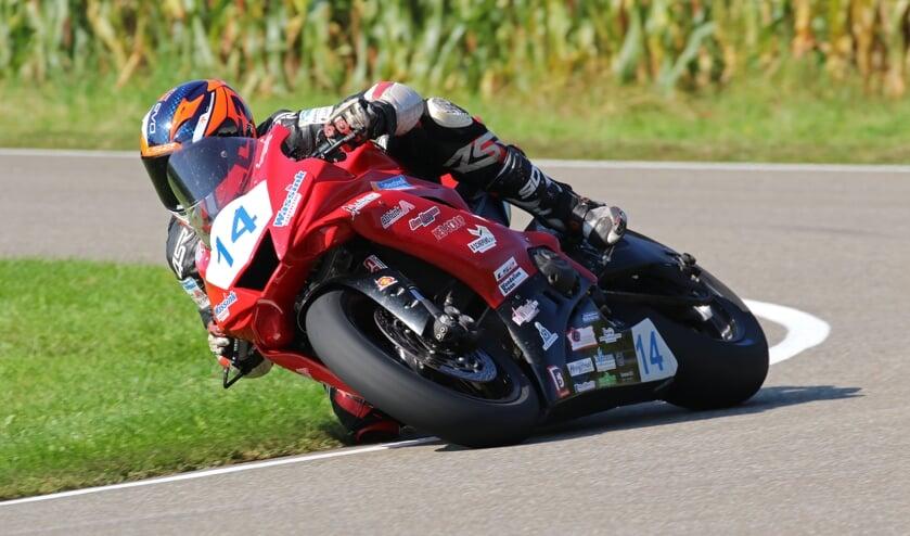 Eerste en tweede plaats voor Ilja Caljouw bij IRRC races. Foto: Henk Teerink