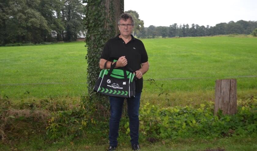 <p>De voetbaltak van KSV is voorzien van nieuwe sporttassen. Foto: PR</p>