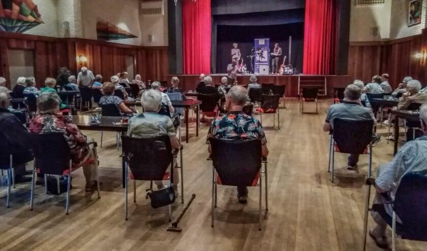 Vijfjarig jubileum Senioren Vereniging Vorden gevierd met optreden van het Duo Een & Ander. Foto: PR