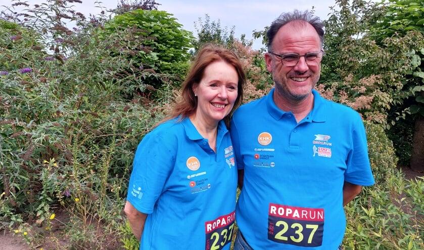 Ruth van der Meulen en Ruud Storck klaar voor Roparun: 'We hopen weer ruim over de 30.000 euro op te halen'. Foto: Han van de Laar