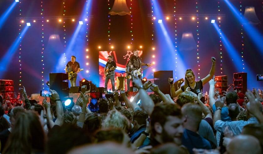 <p>Mooi Wark tijdens Mega Piraten Festijn 2019 Gelredome Arnhem. Foto: megapiratenfestijn.nl</p>
