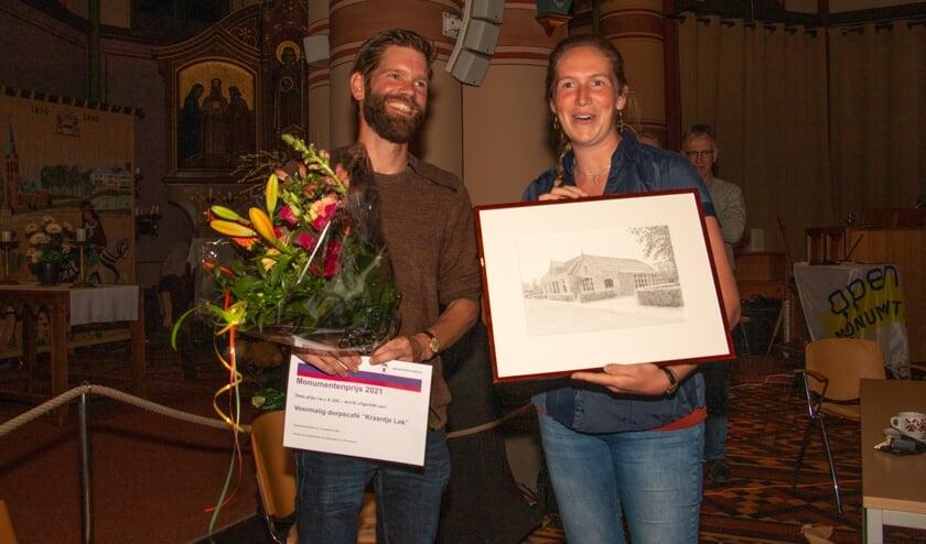 Monumentenprijs Bronckhorst 2021 was voor Jantina Wijpkema en Hans van de Bospoort, huidige eigenaren van voormalig café Kraantje Lek. Foto: Liesbeth Spaansen