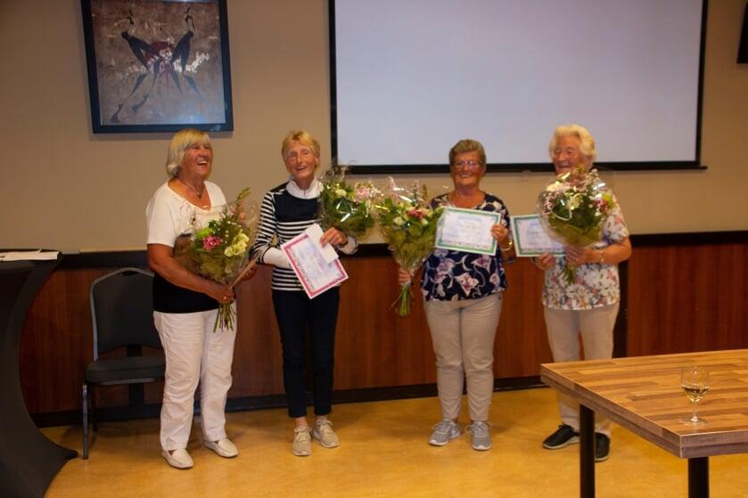 <p>V.l.n.r.: Diny Barink, Ria Ebbenik, Doortje Rood en Krijntje Grotentraast. Foto: Annemarie Paalvast</p>
