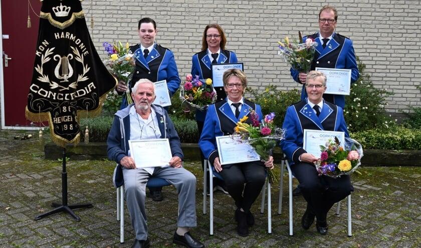 De jubilarissen van Koninklijke Harmonie Concordia. Foto: T. Roelofsen