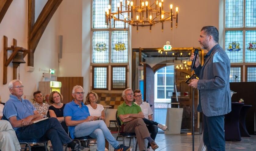 <p>Dr. Riccardo Pulselli vertelde over de &#39;carbon footprint&#39; van Zutphen. Foto: Jolanda van Velzen</p>