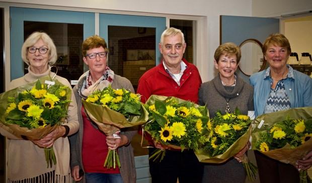 V.l.n.r.: Marijke Spronk, Irene ten Bosch, Han Wolven, Thea Wolven, Rietje van Walree. Niet op de foto wegens ziekte Gre Tiggers Foto: Stip Fotografie