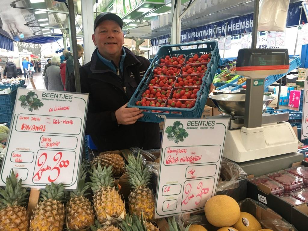 """Bij John Beentjes groente en fruit Heemskerk sprak ik metJohn beentjes: """"Voor het lekkerste groente en fruit ben je bij John Beentjes het beste uit."""""""