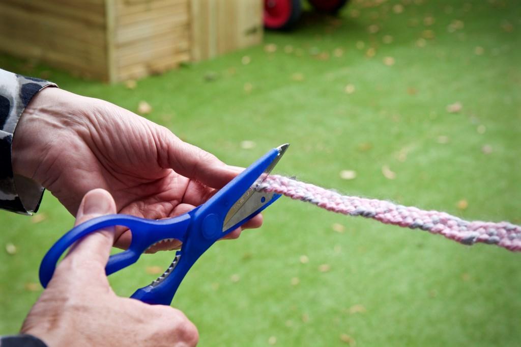 Het geknoopte lint wordt geknipt  © Uitkijkpost Media B.v.