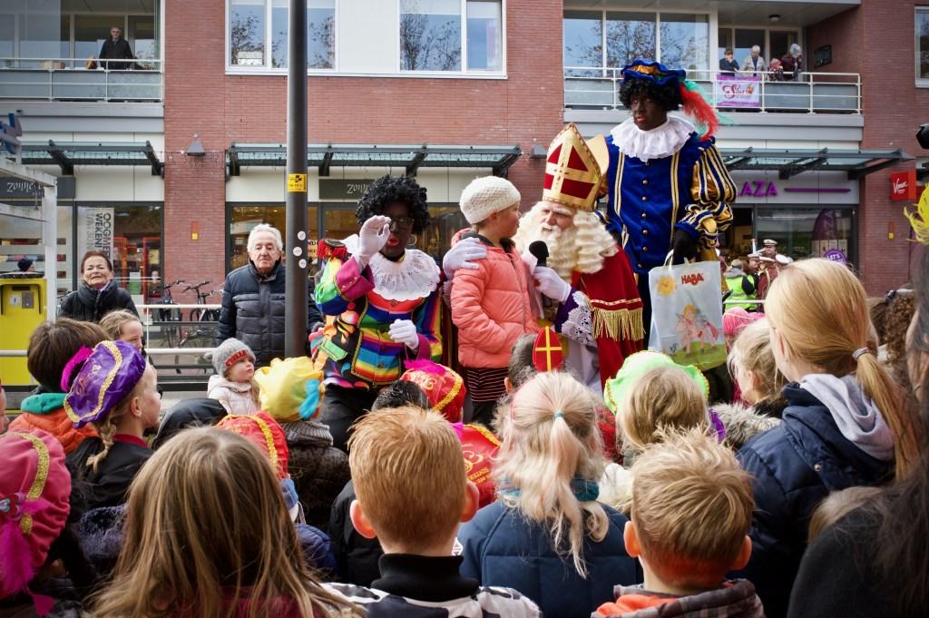 In het Stationscentrum werden de winnaars van de kleurwedstrijd van het Stationscentrum bekend gemaakt.  Foto: STiP Fotografie © Uitkijkpost Media B.v.