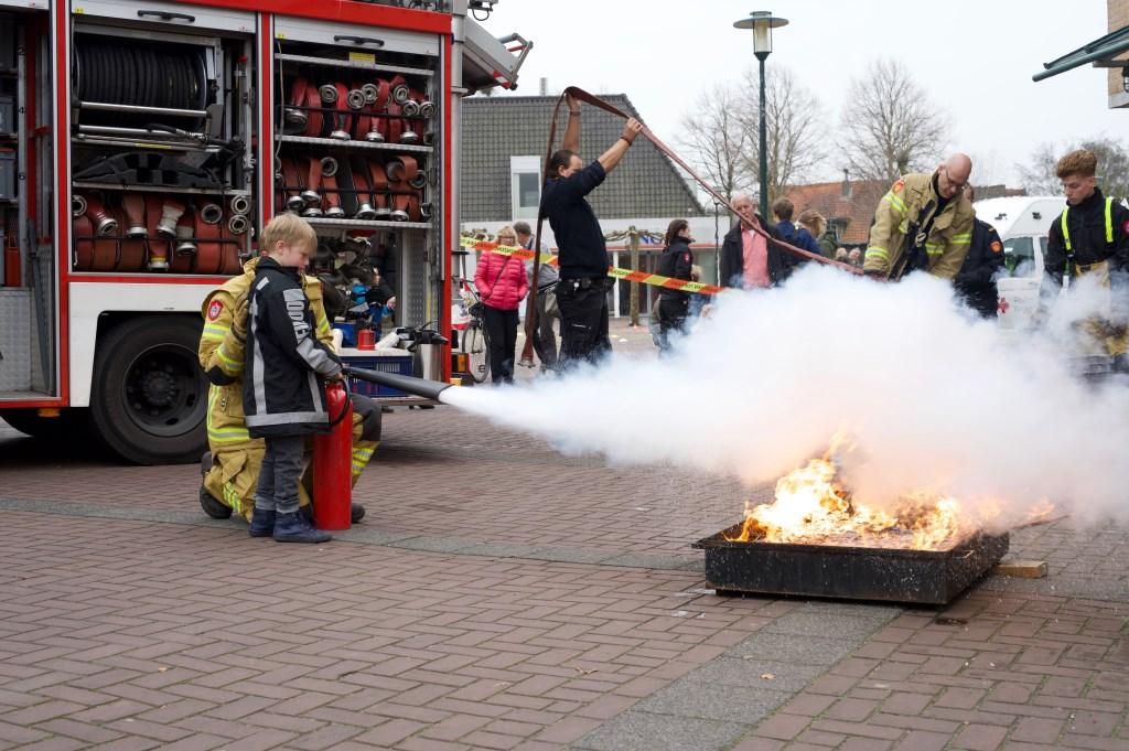 Faas van Wijk was zo dapper om een groot vuur te blussen. STiP Fotografie © Uitkijkpost Media B.v.