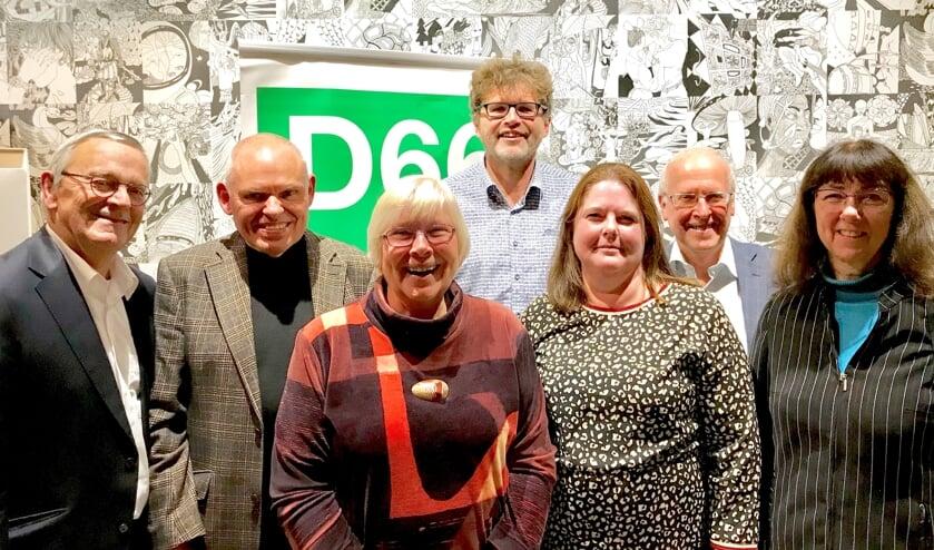 Het nieuwe bestuur van D66 BUCH bestaat uit (v.l.n.r.) Frits Roskam, Fred Lindhout (voorzitter), Anja de Ruiter, Evert Castelein, Marieke Hendriksen, Hans van Halem, Divera Borsboom en Jan Snijder (niet op de foto).