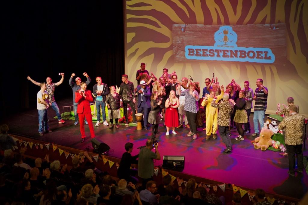 Alle deelnemers en iedereen die Showhero mogelijk maakten. Foto: STiP Fotografie © Uitkijkpost Media B.v.