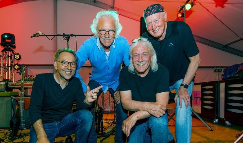 De huidige Frogs. Van links naar rechts: Jean Hanck (gitaar), Dave van der Schaaf (piano/hammond), Cor Boot (drums) en Jaap Neele (basgitaar/fluit)