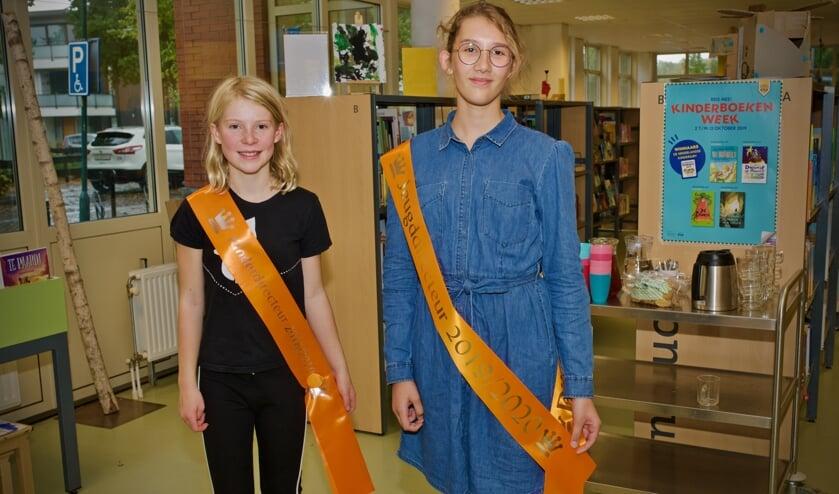 Kinderdirecteur 2018-2019 Lotta Sengers (l) en jeugddirecteur 2019-2020 Denise Otto (r).