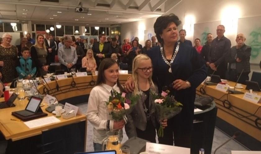 Het burgemeestersontbijt: burgemeester Wendy Verkleij en kinderburgemeester Fien Reulen gaan ontbijten op de Molenhoek