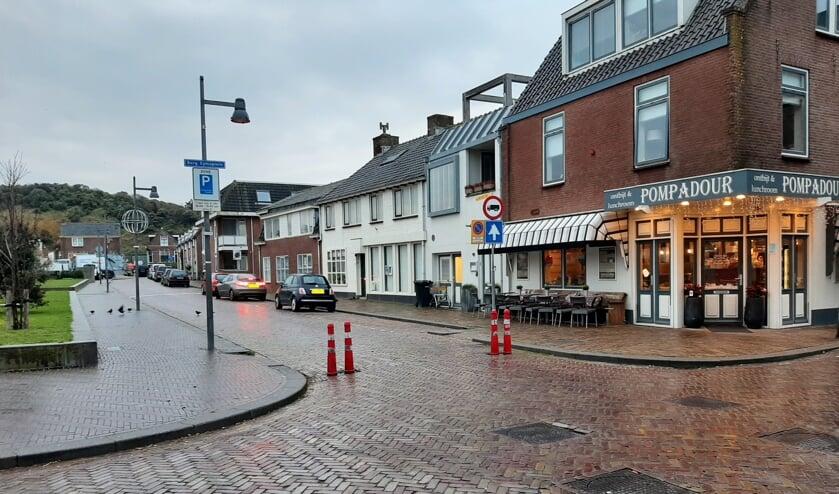 Voorbeeldsituatie breedtebeperking (versmalling) in Egmond aan Zee.