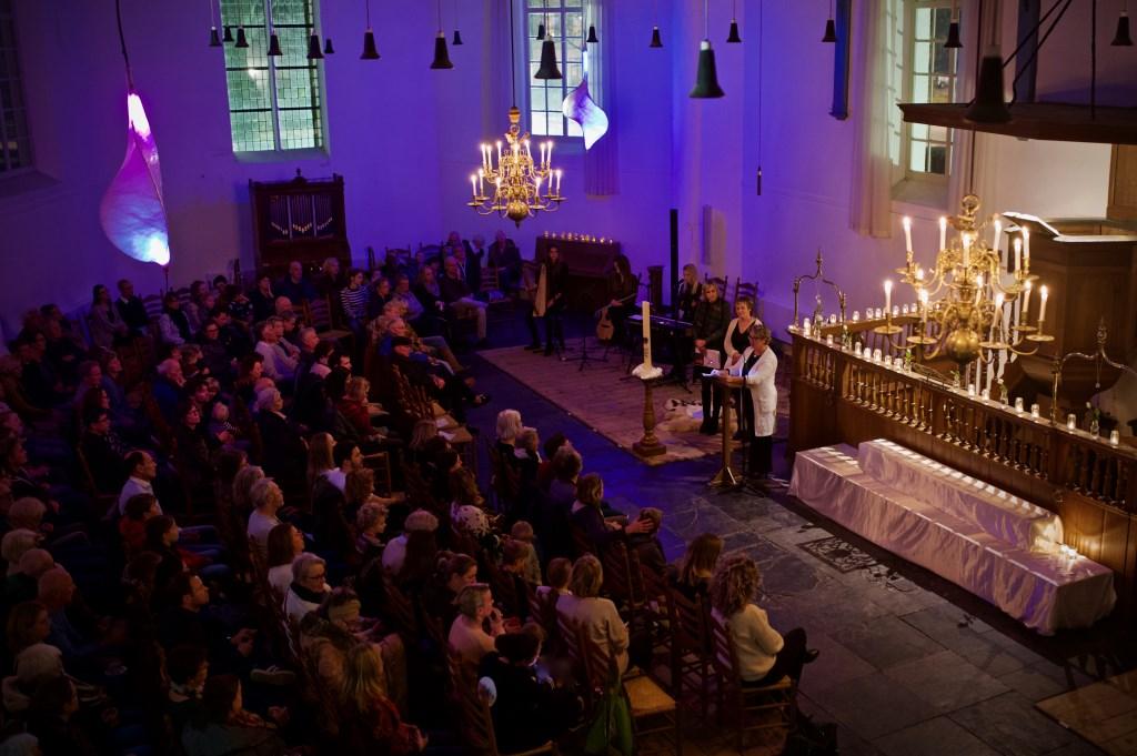Marinta Rutten spreekt de aanwezigen toe. Foto: STiP Fotografie © Uitkijkpost Media B.v.