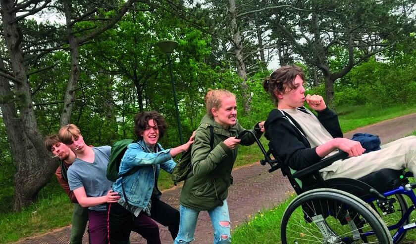 Kyllian, Jonas, Sieb, Lieke en Daan, ofwel theatergroep ZwartGat.