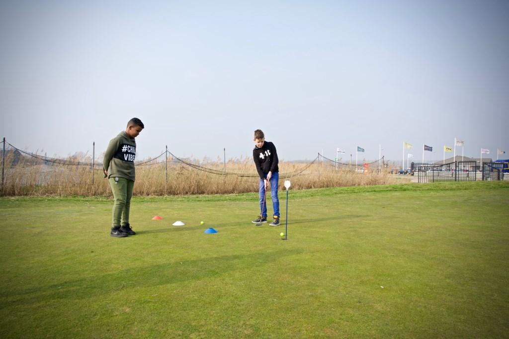 Natuurlijk hoort oefenen in het putten er ook bij. Foto: STiP Fotografie © Uitkijkpost Media B.v.