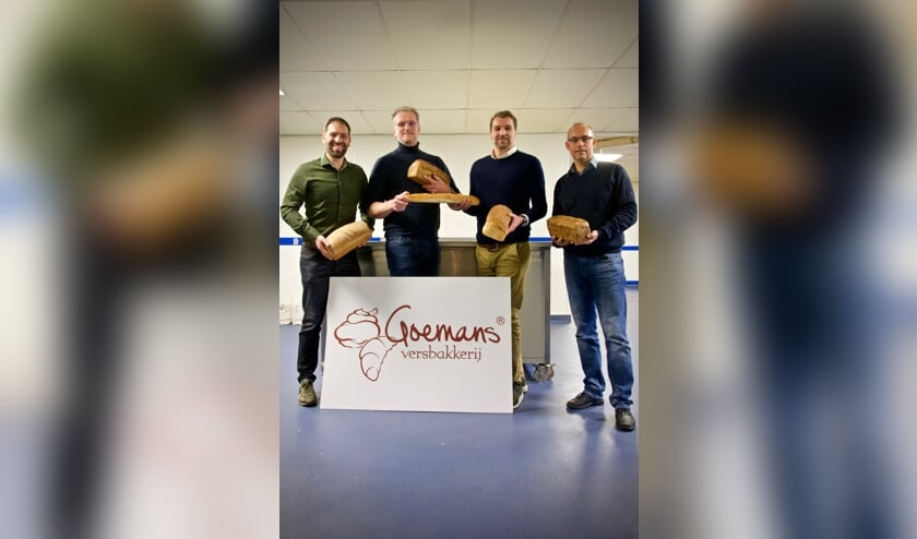 Daniël Goemans, Marc Kraakman, Dennis Goemans en Frank Goemans. Dennis neemt het stokbroodje over van Marc Kraakman.