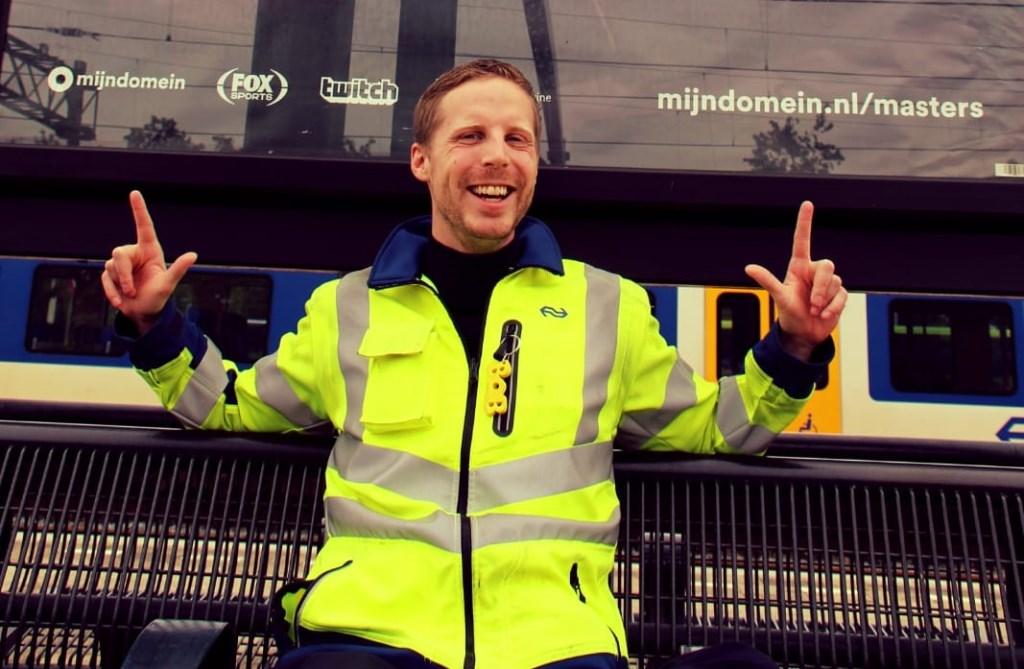 'De Meester' op zijn favoriete treinstation. Foto: Aangeleverd © Uitkijkpost Media Bv.