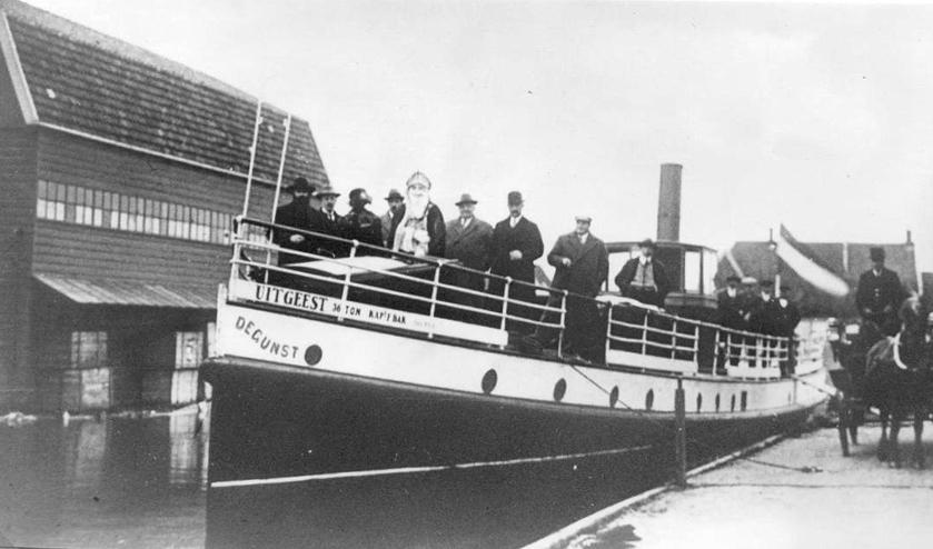 <p>Motorboot &lsquo;De Gunst&rsquo; in de Gemeentehaven &ndash; BB 06243.</p>