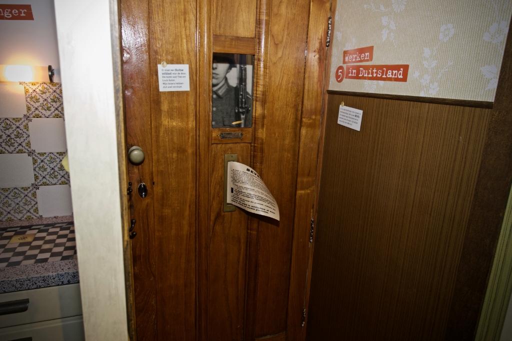 De voordeur van een huis. De Duitsers staan voor de deur. Foto: STiP Fotografie © Uitkijkpost Media B.v.